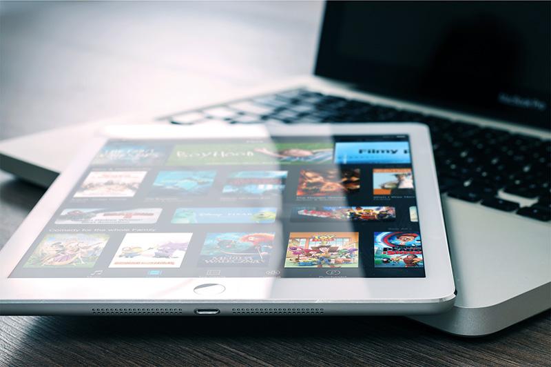 app webinar tablet und laptop